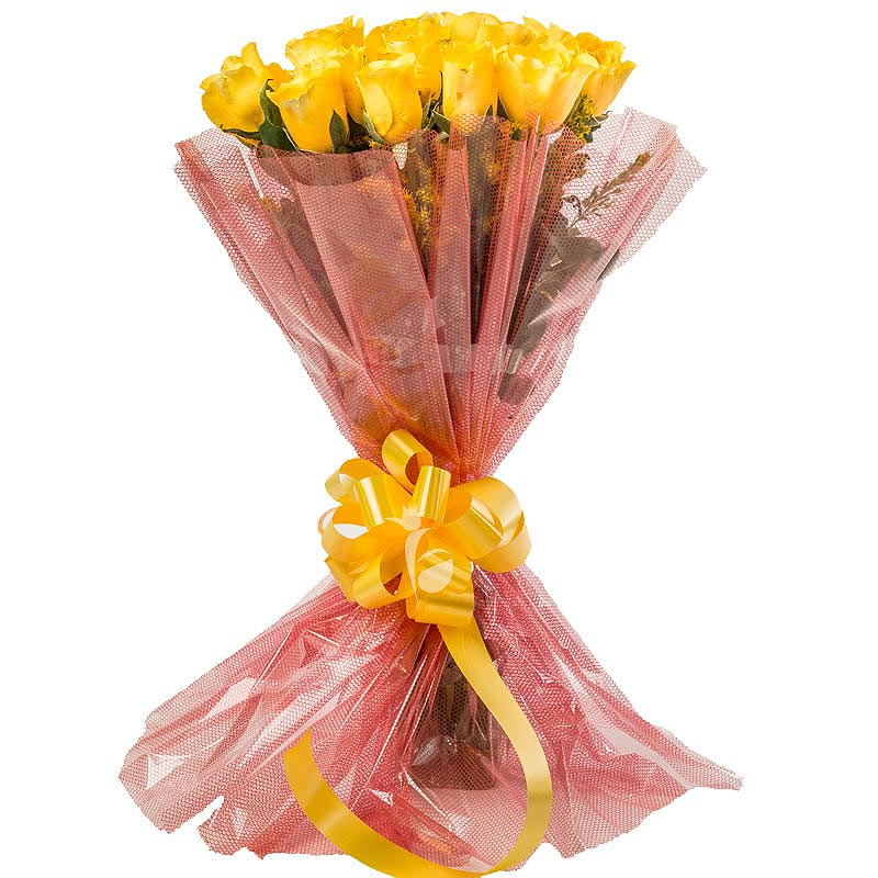 Bunch of 15 Yellow Roses with Front View