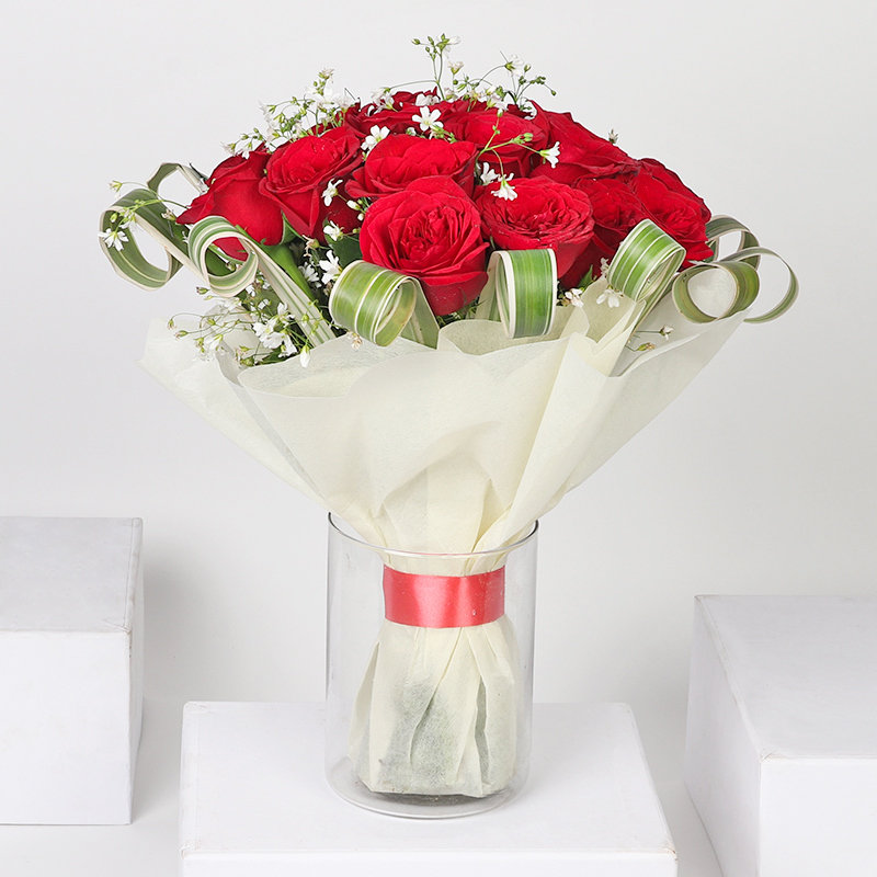 Bunch of 26 Red Roses in Glass Vase with Front View