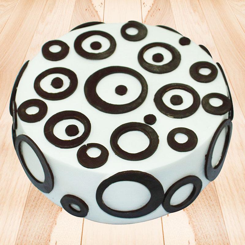 Delicious Chocolate Vanilla Cake