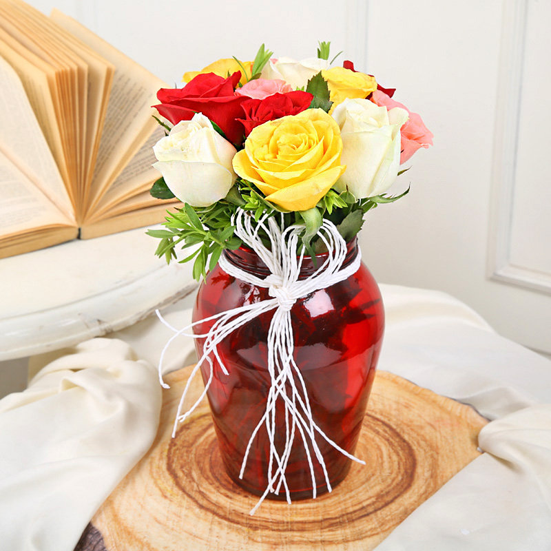 Mixed Roses flowers in a vase - send online