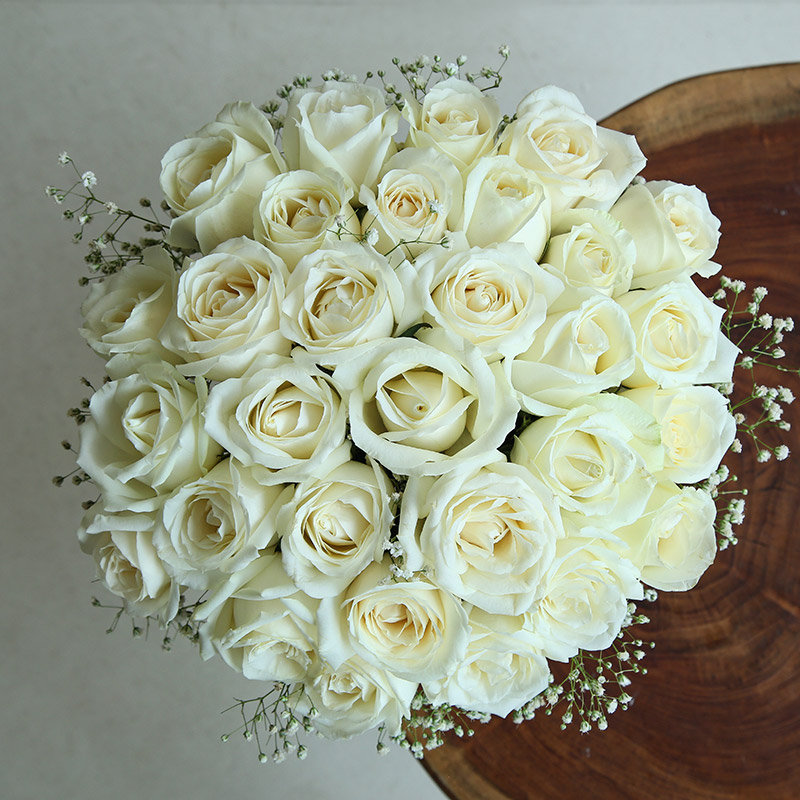 Order White Rose Bouquet Online in India