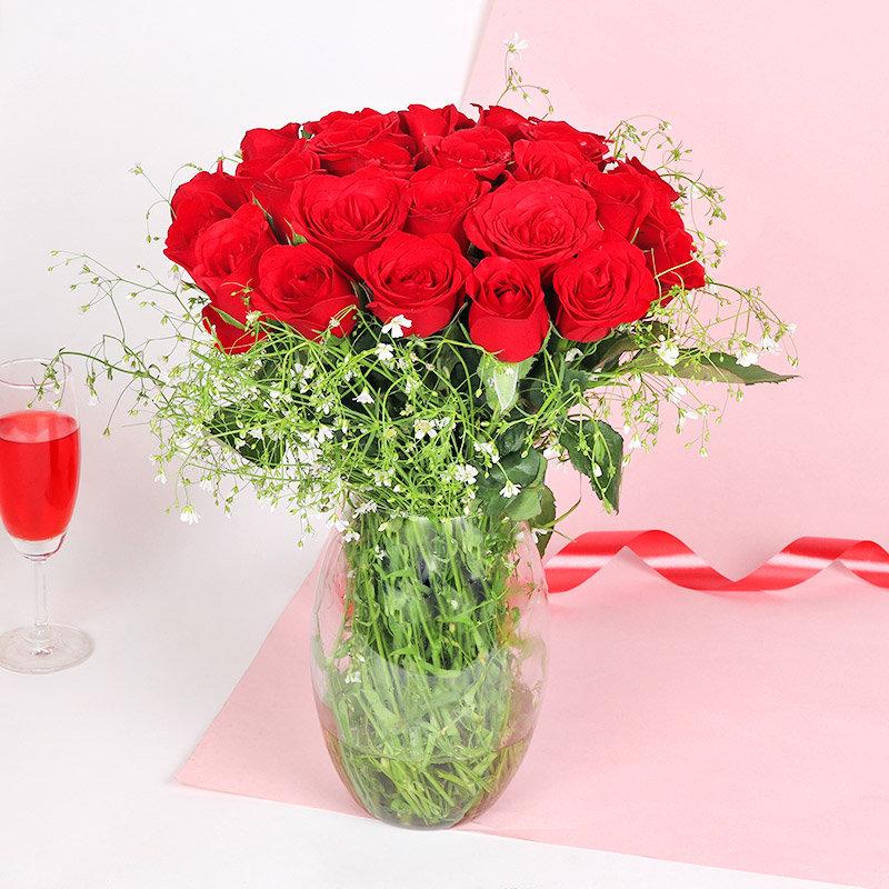 Kiss Red Rose Vase