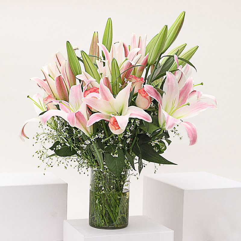 Pleasing Lily Rose Vase: Arrangement of 4 Pink Lilies And 15 Pink Roses