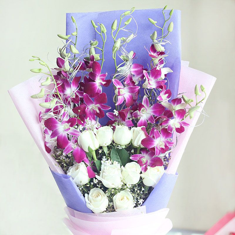 Pretty Bunch - 6 Purple Orchids and 10 White Roses