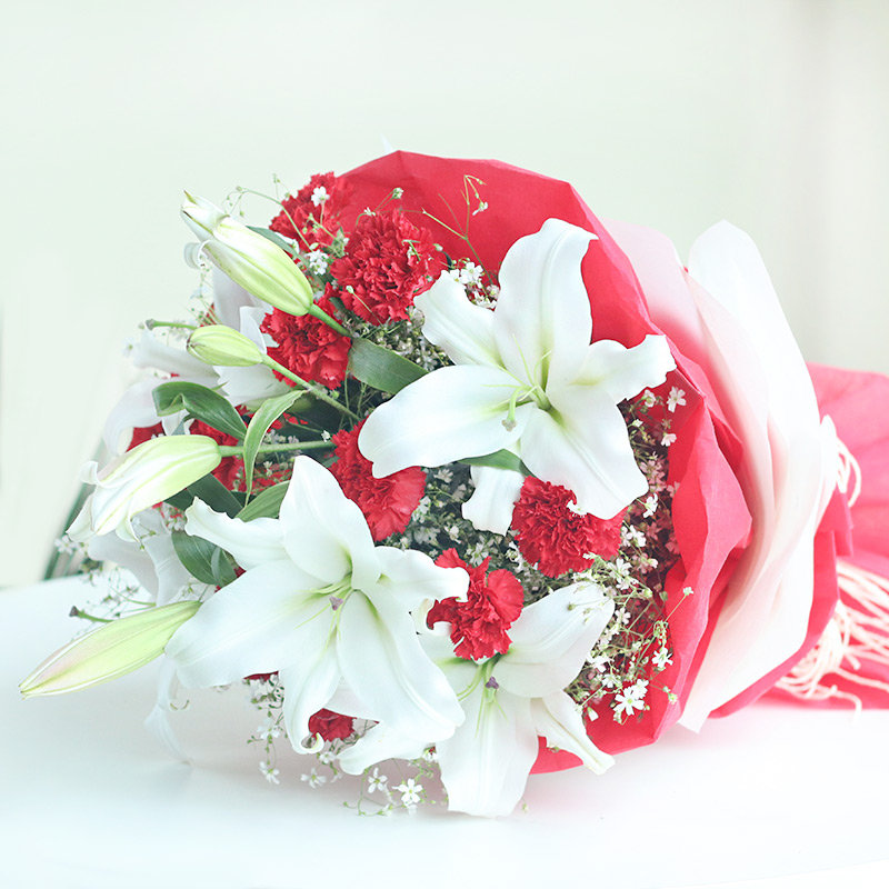 Lilies N Carnation flowers For online deliver