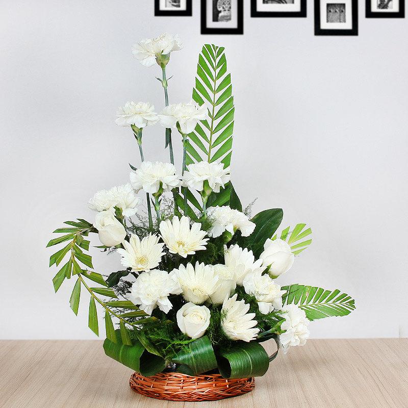 20 White Flowers in Basket