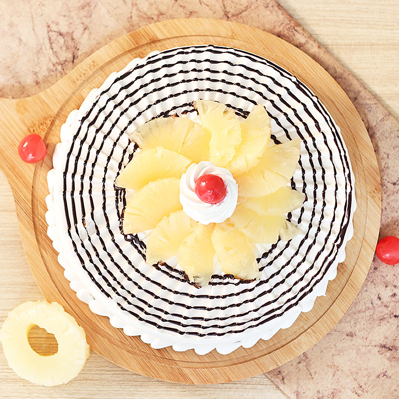 Mouth-watering Pineapple Cake