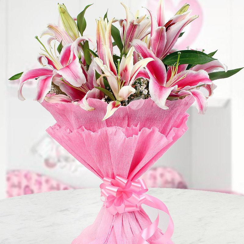 Arrangement of 6 beautiful pink Oriental Lilies