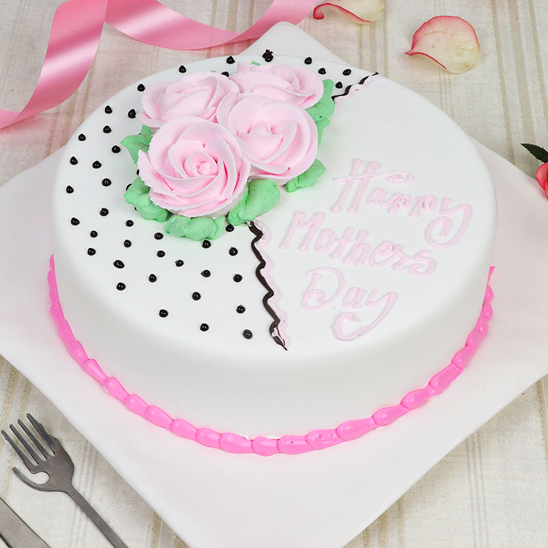 Adorable Mothers Day Cake