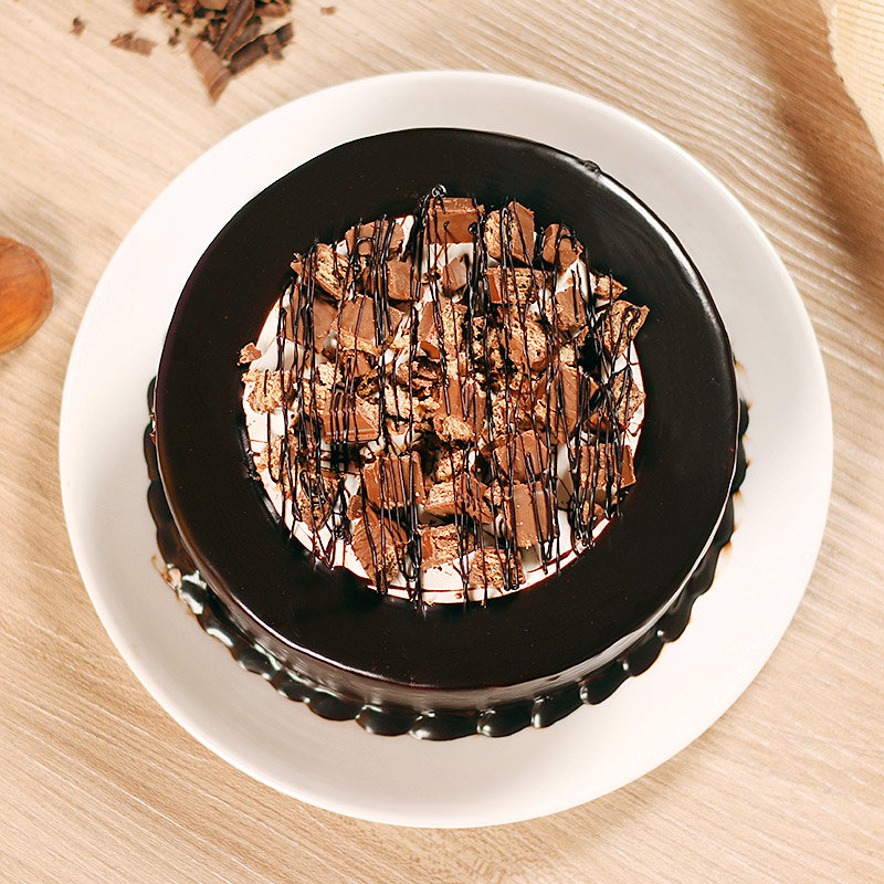 Top view of Choco Kitkat Cake for Birthday