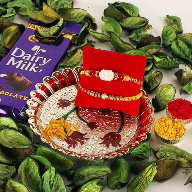 Beguiling Rakhi gift pack