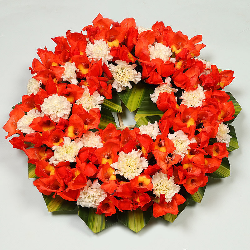 Wreath Arrangement of Glads and Carnations