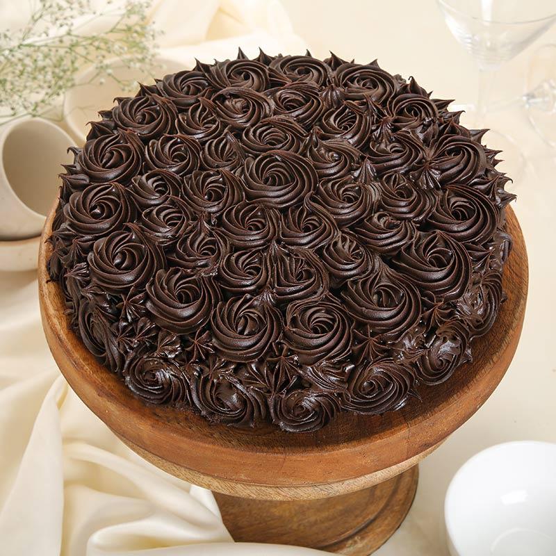 Buttercream Chocolate Swirl Cake