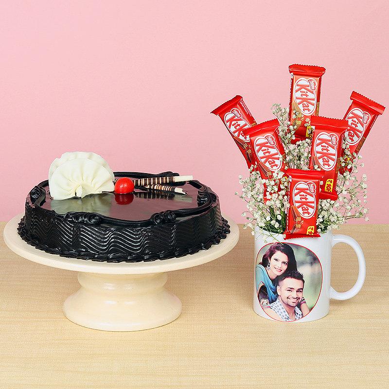 Choco Cake Kitkat and Custom Mug Combo