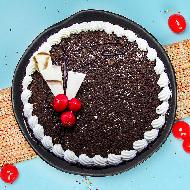 Delicious Cake for Couple