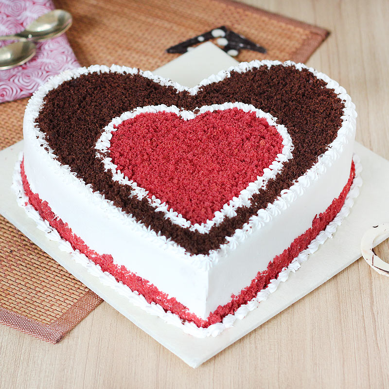 Chocoholic Red Velvet Cake with Normal View