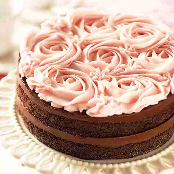 Chocolate Cream Cake - Chocolate Rose Cake