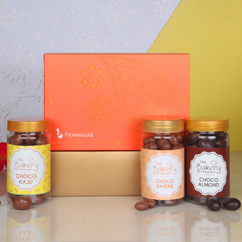 Front View of Chocolicious Signature Box