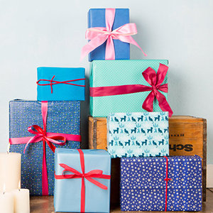 Send Gifts Combos online in India