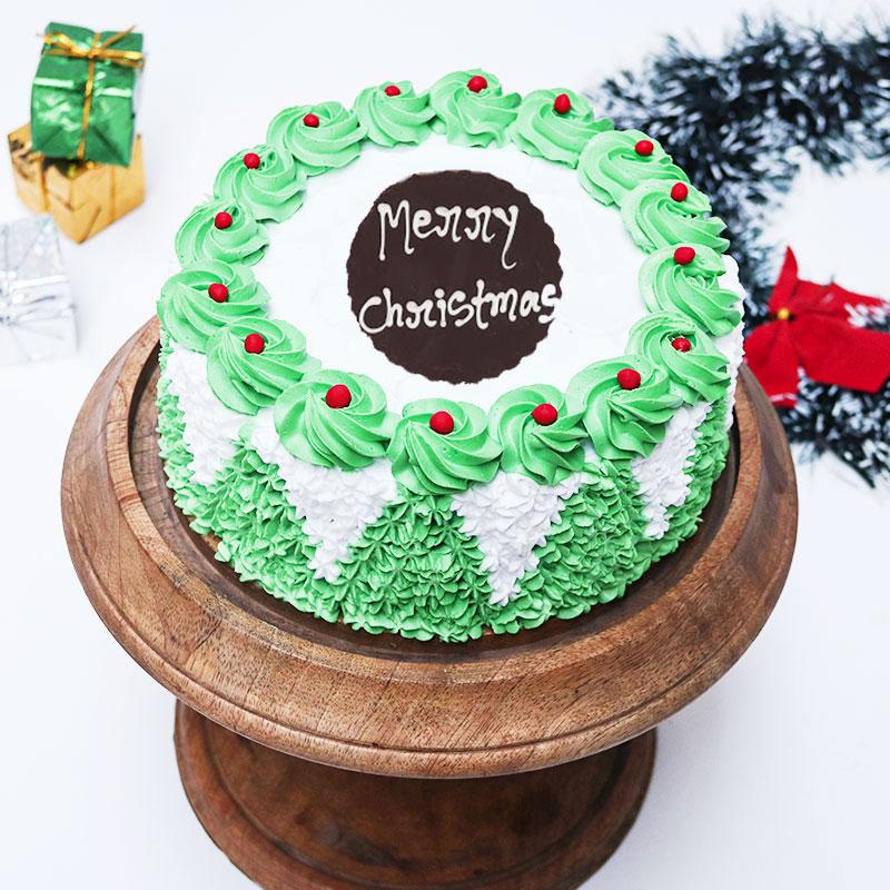 Christmas Cream Cake