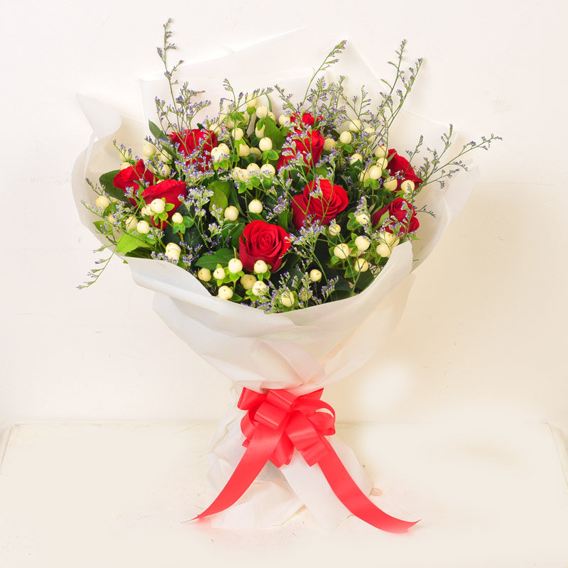 Exotic Love Arrangement of Roses