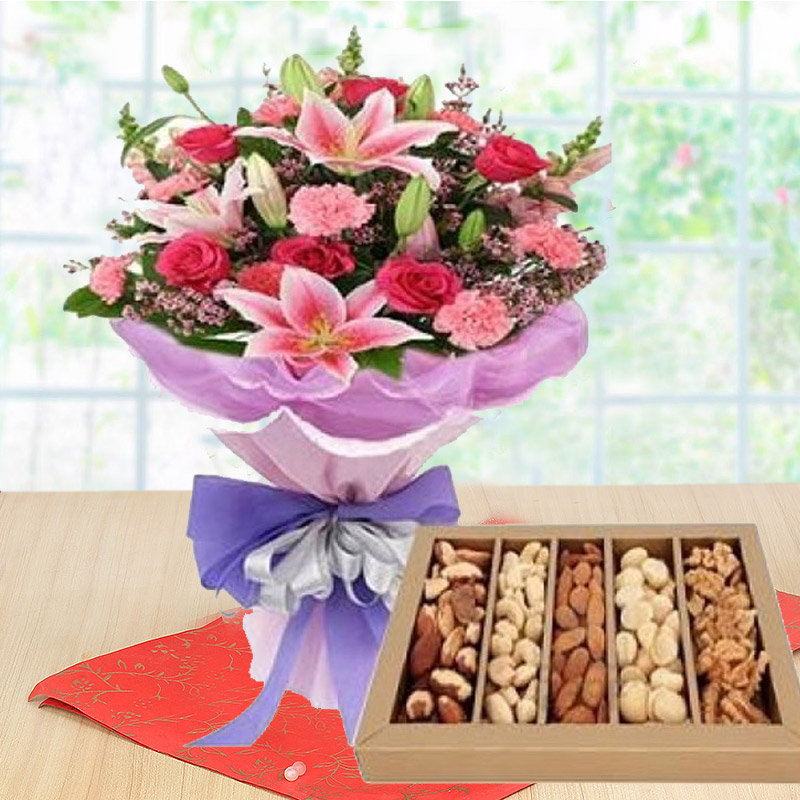 Amazing Flowers With Dry Fruits