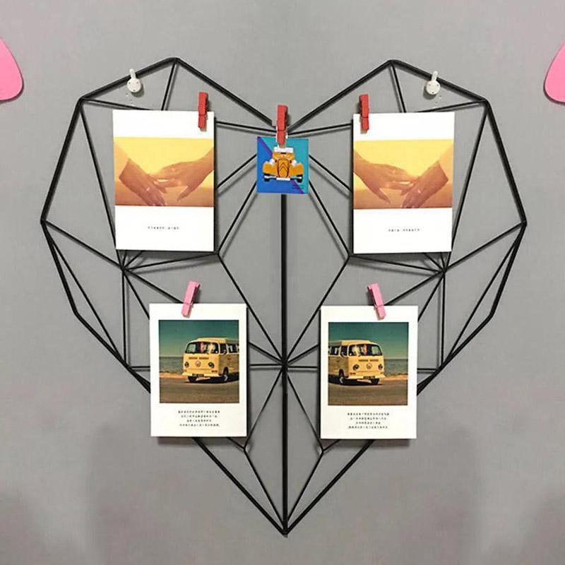 Geometric Grid Heart Wall
