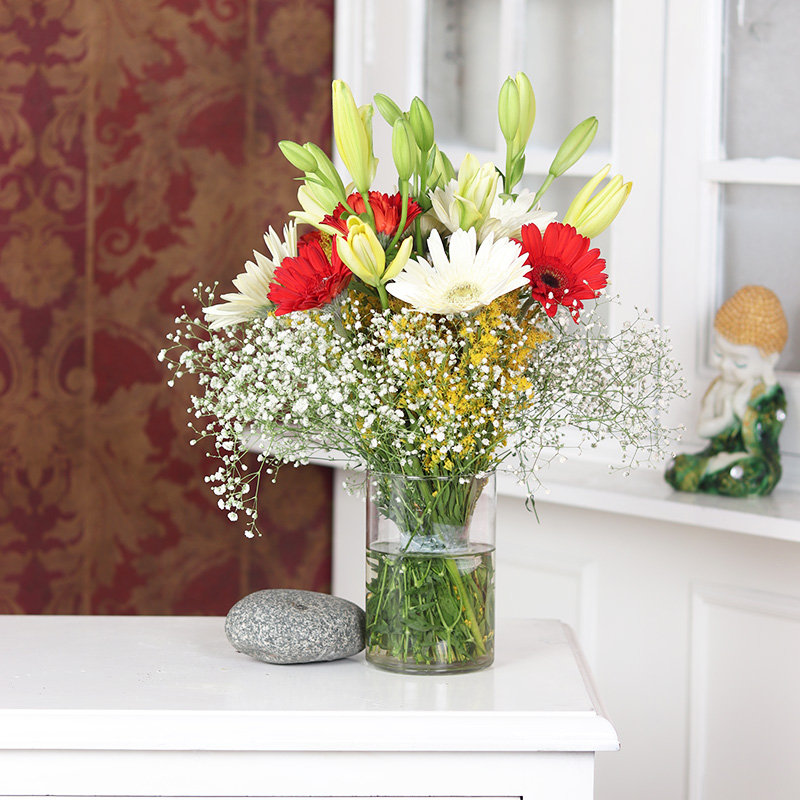 Gerbera Glass Vase - 4 Yellow Lilies 10 Red and White Gerberas