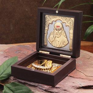 Gold Toned Om Sai Ram Idol