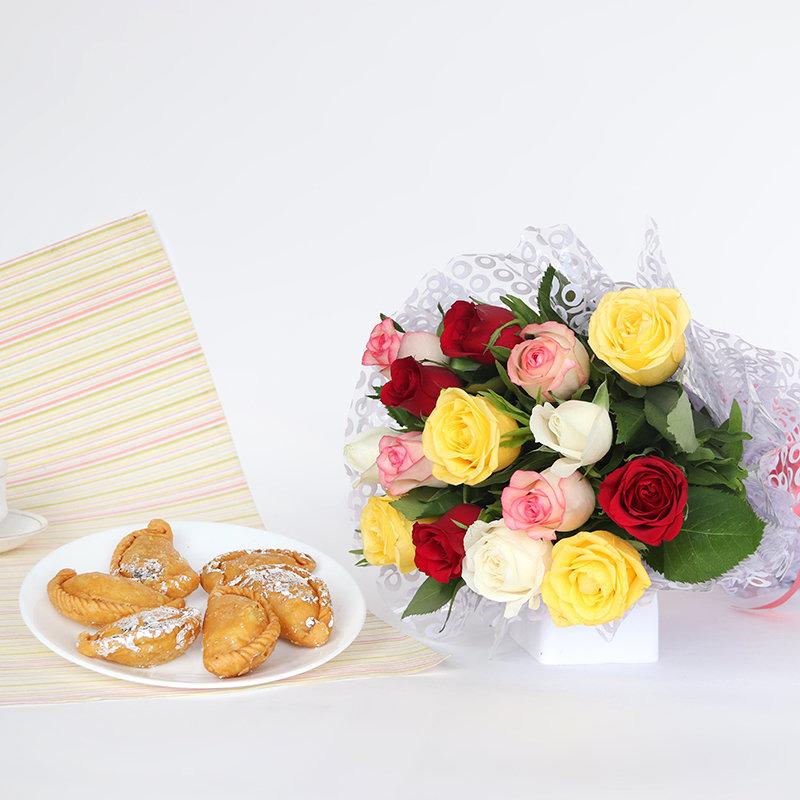 Sweet Holi Gujiya and Flower Combo