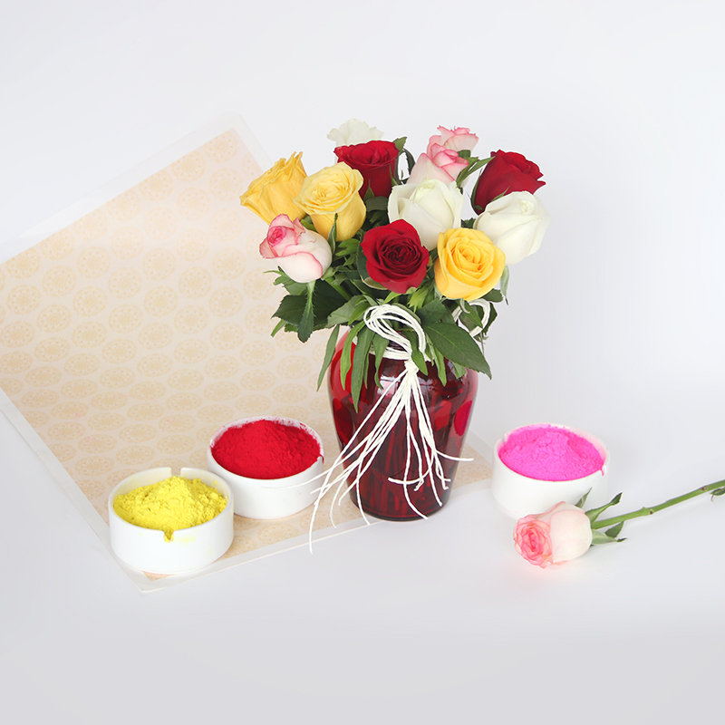 Rose Bouquet With Gulal Color