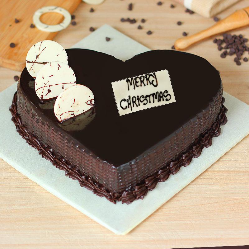 Heart Shaped Christmas Cake