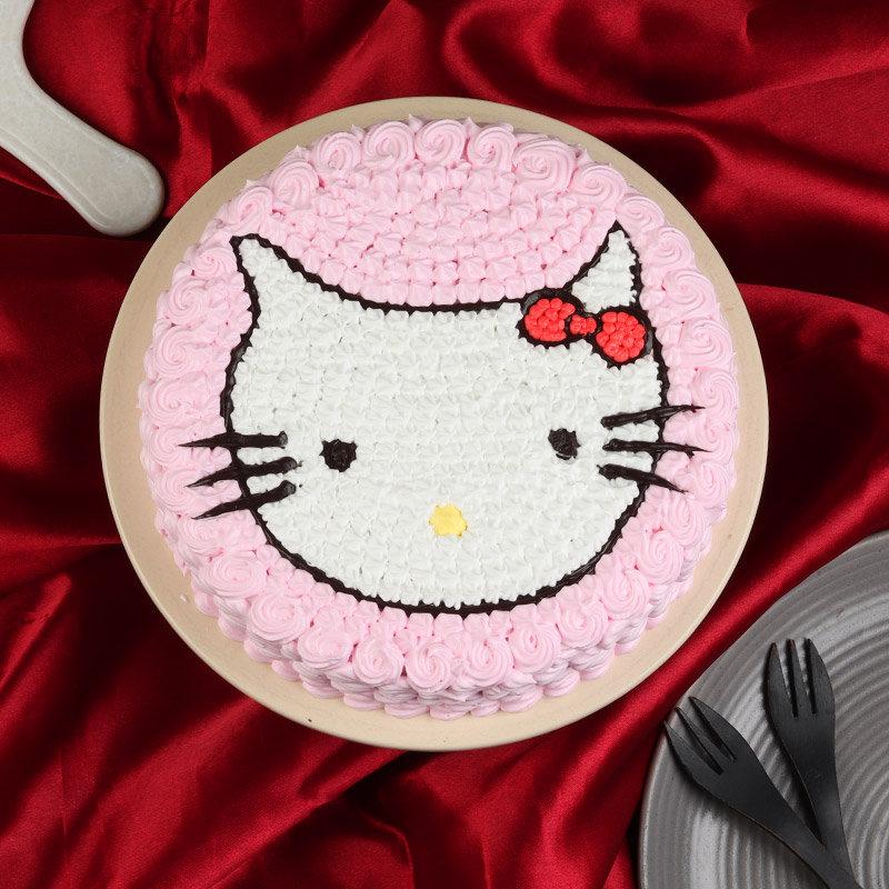 Top view of Hello Kitty Birthday Cake