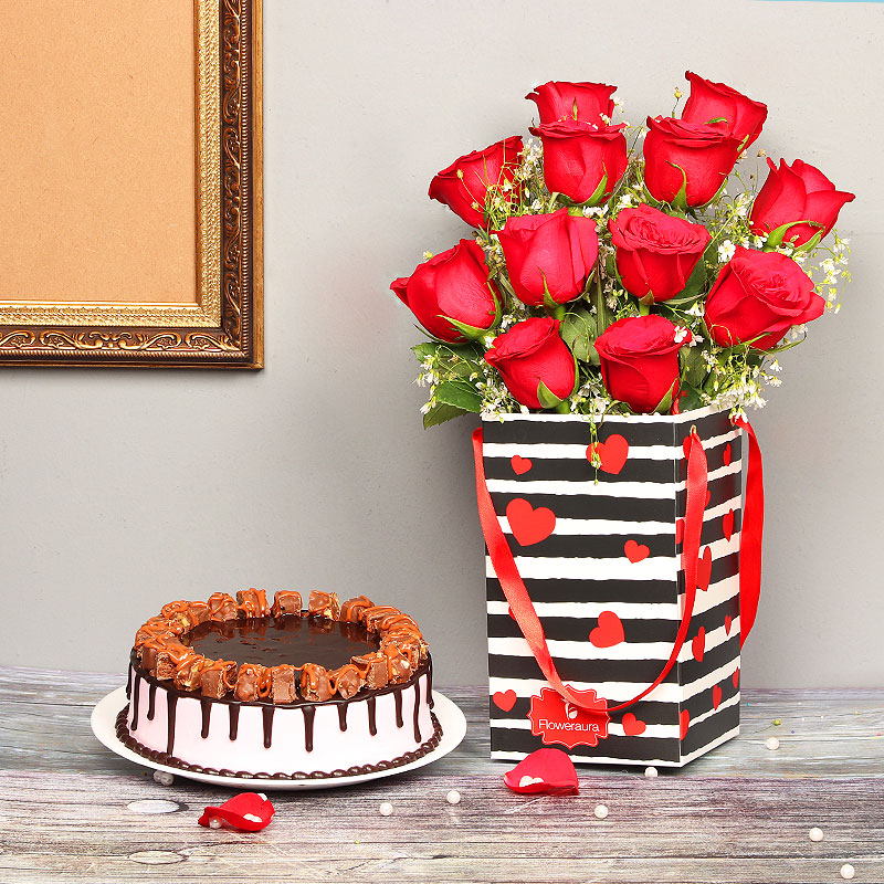 Anniversary Combo of Red Roses in a Box with Cake