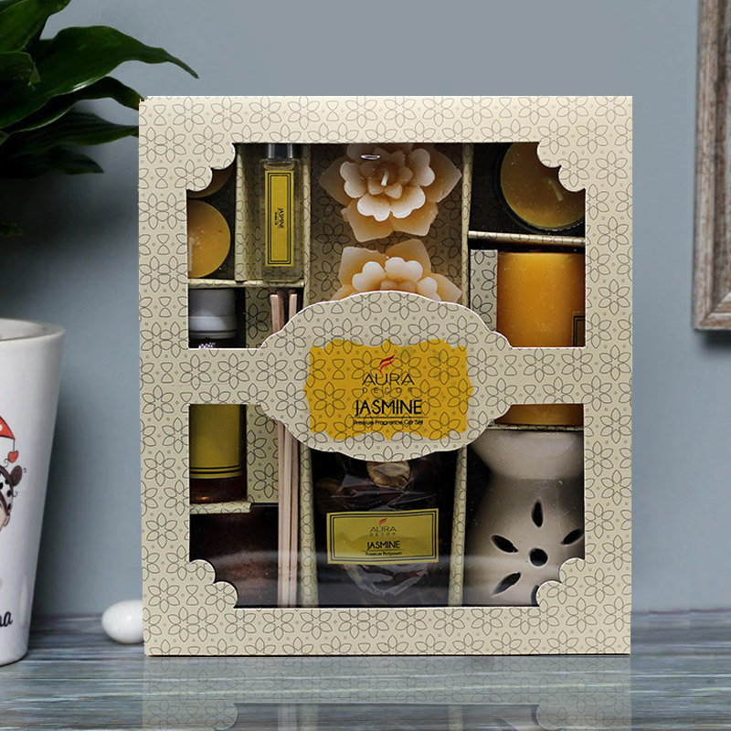 A Gift Pack of Jasmine Aroma Oil Diffuser Set