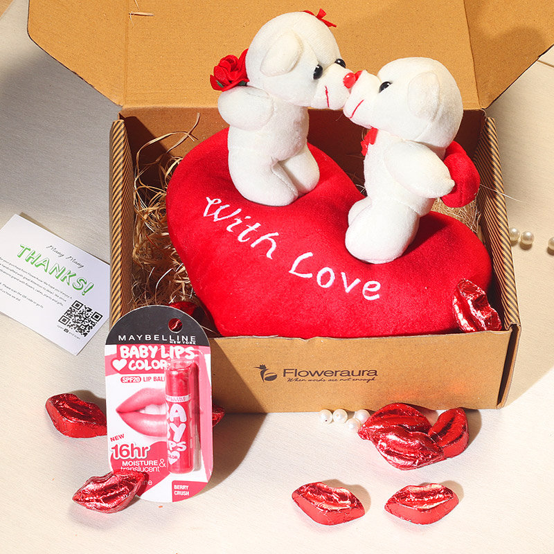Kissing Couple Teddy Day Gift