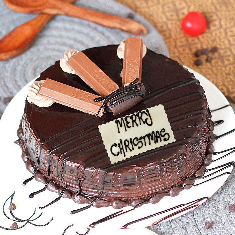 Choco KitKat Christmas Cake