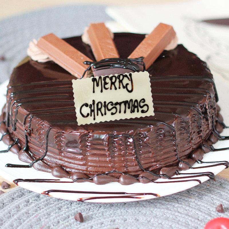Choco KitKat Christmas Cake - Zoom View