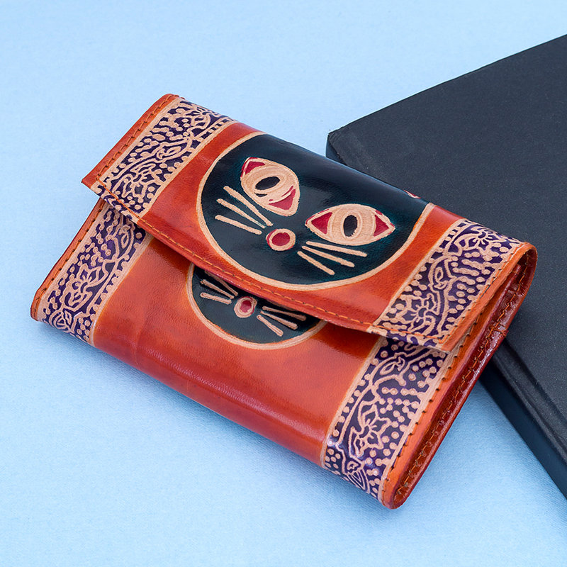 Kitty print traditional wallet