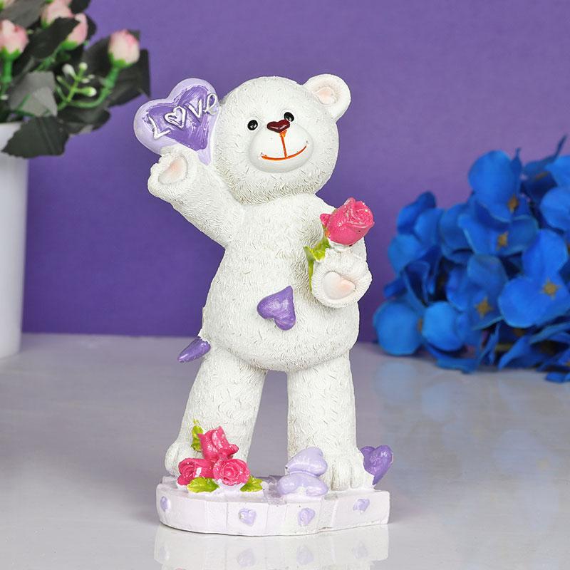 Love Bear Statue