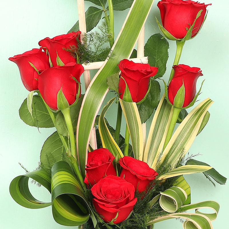 Order Red Roses Arrangement Online