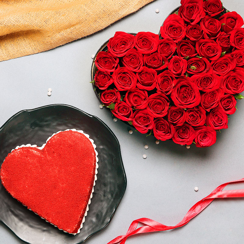 Heart Shaped Roses Arrangement with Cake Combo