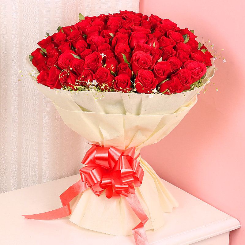 Bunch of Hundres Red Roses