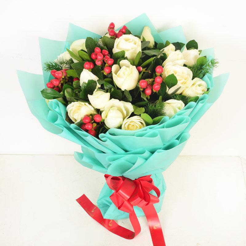 White Rose - Magic Love Blooms