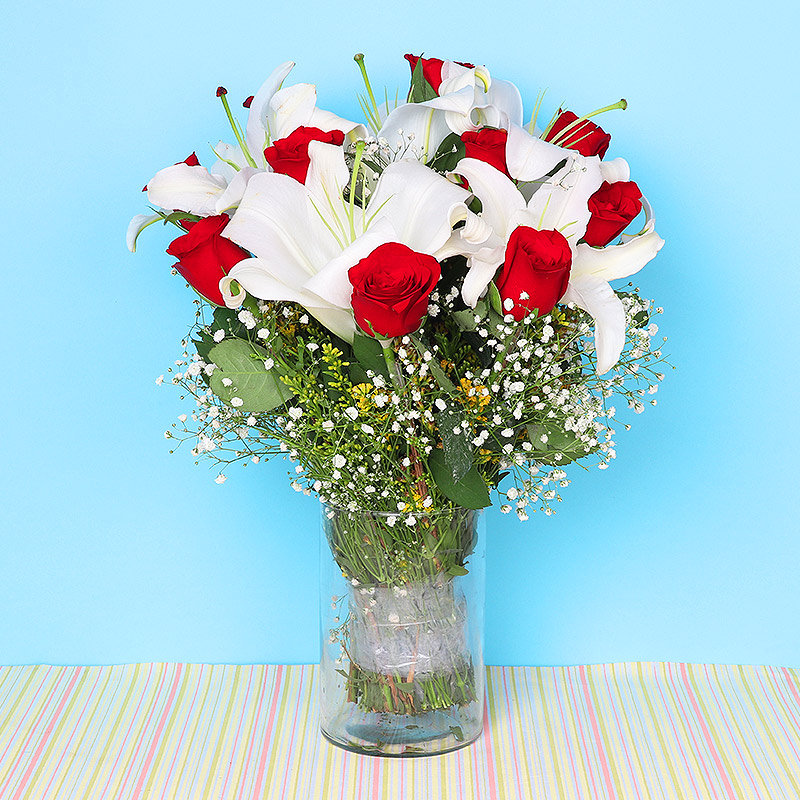 Bouquet of mixed flowers - A gift of Mesmerizing Charm