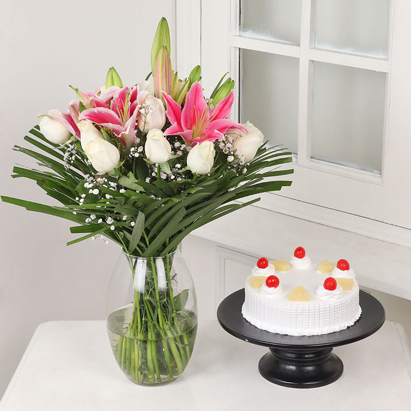 Mixed Flowers And Cake Combo