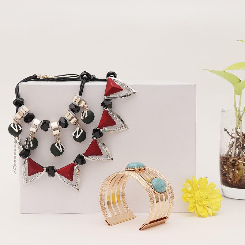 Neckpiece and Bracelet Combo