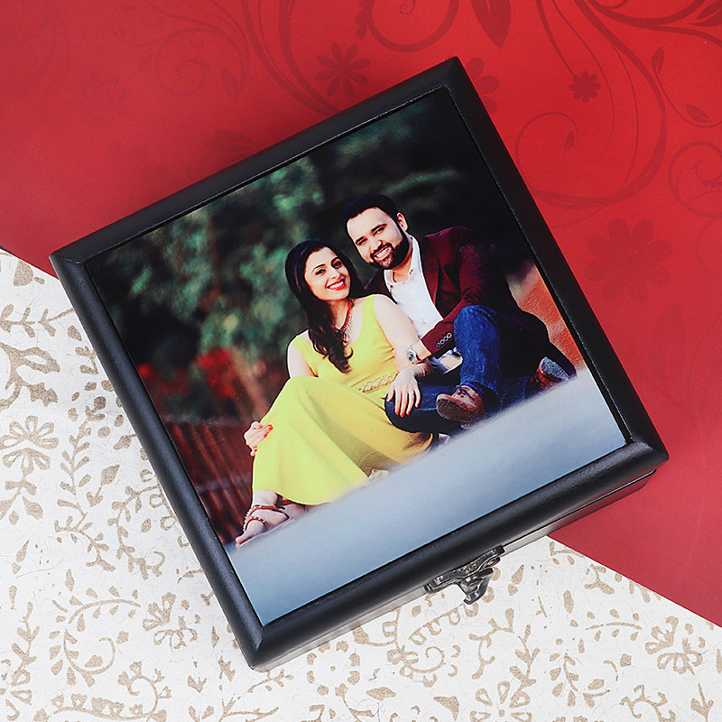 A Personalized Photo Box