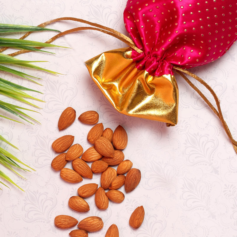 Product View in Photo Rakhi Card N Nuts Combo