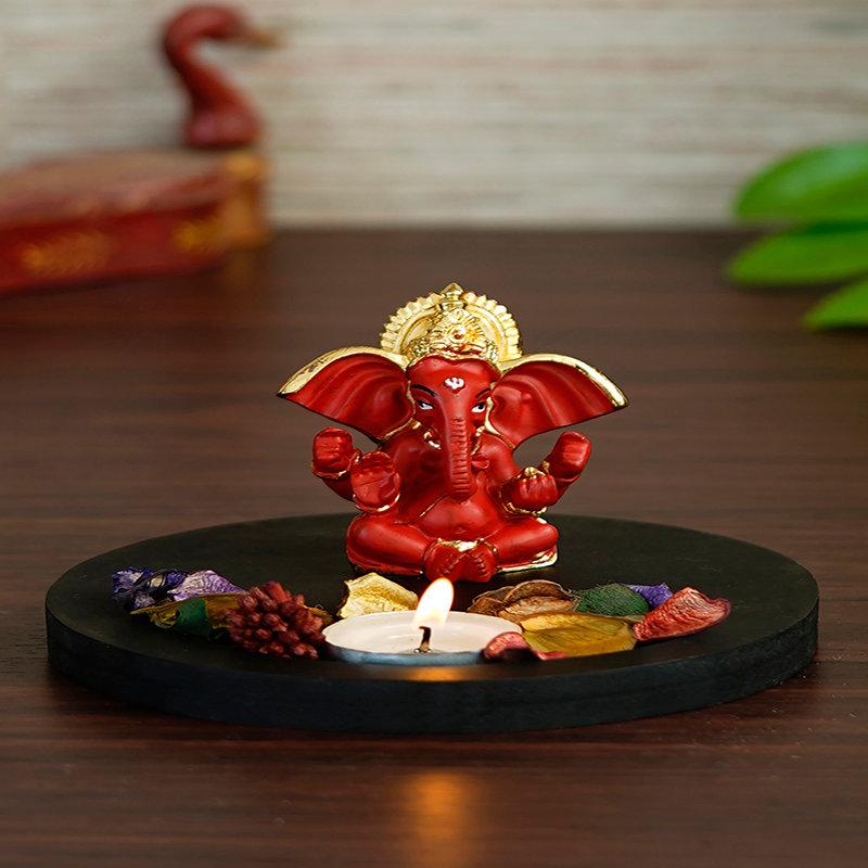 Red Ganpati Murti